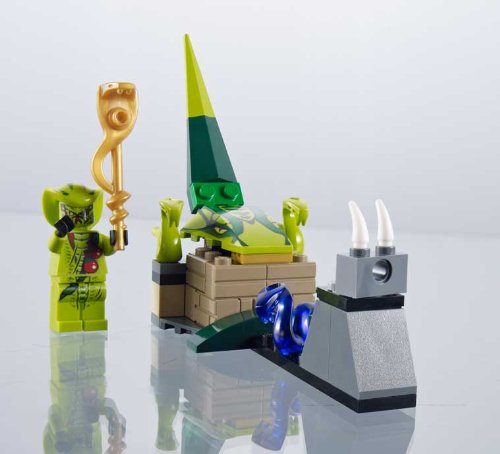 Lego Ninjago: Fight the Power of the Snakes Brickmaster Set